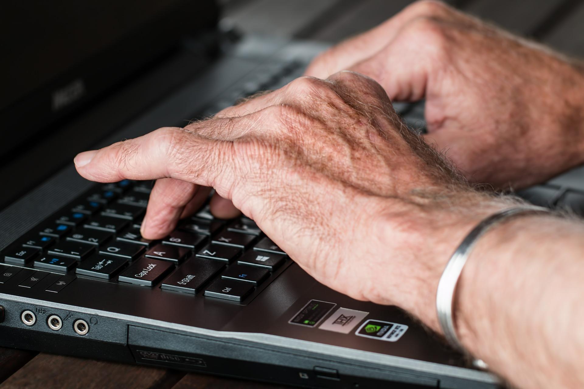 hands, aging skin, old hands