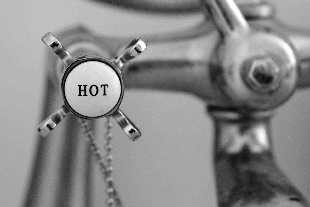 hot water, hot tub, psoriasis care tips
