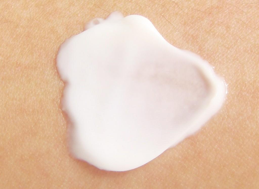 moisturizing skin, lotion, dry skin